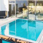 Pool mit Außenanlage
